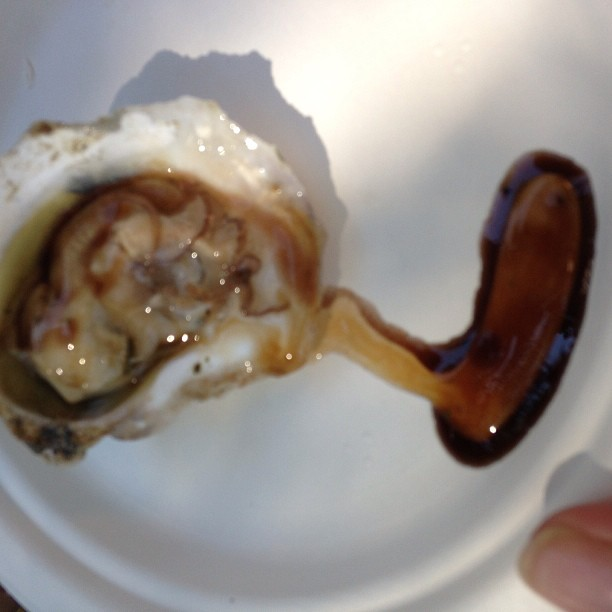 @FrenchLaundry oyster with banyuls and smoked onions @Cochon555 #HeritageFire